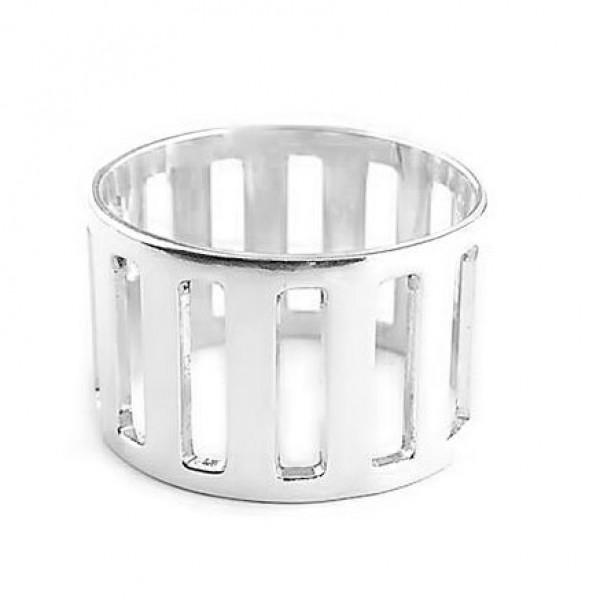srebrni prsten sa rebrastom gravurom