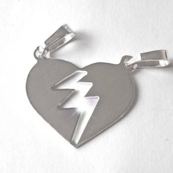 Srebrni privezak - srce podeljeno na dva dela - polomljeno srce - sjajan medaljon